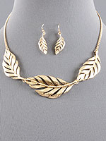 FASHION BIB NECKLACE SET